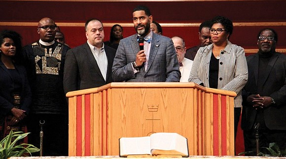 This Thanksgiving, 5,888 families in Cook County, Ill., will receive a card with the names of several congregations belonging to ...