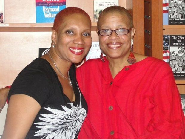 Terrie M. Williams talks at Hue-Man Bookstore and Cafe