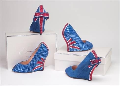 To commemorate Queen Elizabeth's 60th year in her position, the British designer Aruna Seth has...