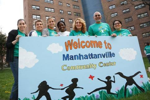 Comcast and NBC volunteers to give back to the community