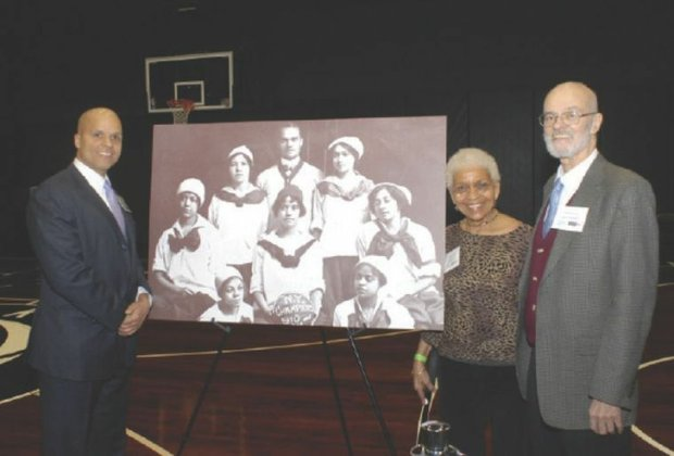 Black Fives Foundation reunites families of long-ago basketball league