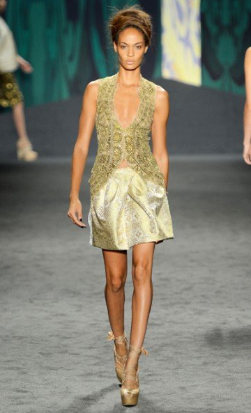 Vera Wang's spring 2013 collection is beautifully designed, with pretty lace and lots of feminine...