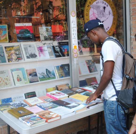 With Hue-Man Bookstore closing, some now worry about the fate of Harlem's book readers, because...