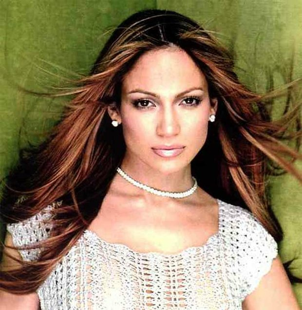 "J. Lo Returns as ""American Idol"" Judge for $20 Million"