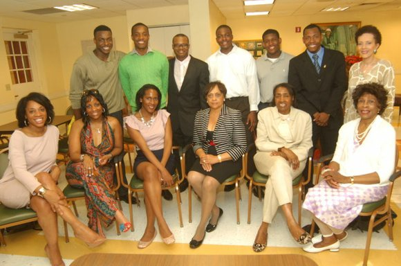 The Metro-Manhattan Links held its chapter meeting at the Alma Rangel Housing Community Room in...
