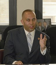 Rep. Hakeem Jeffries pushes anti-gun violence focus