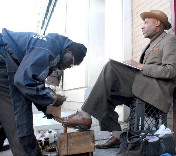 Walter Frankie White: Shoe shinin' for his community and loving it