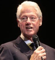 Clinton decrys rampant poverty in Nigeria  during visit there