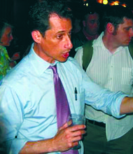 Weiner enters mayoral race, speaks to black community
