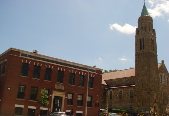 Located on Warren Street in Roxbury, Gordon-Conwell Theological Seminary's Center for Urban Ministerial Education (CUME) has earned praise...