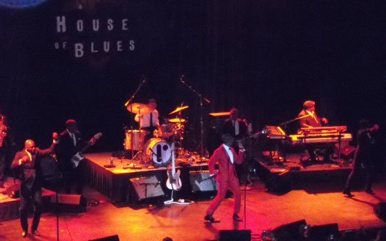 Raphael Saadiq, the fomer front man for Tony!Toni!Tone!, was at the House of Blues Boston earlier this month...