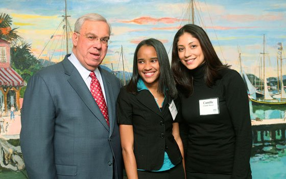 Mayor Thomas M. Menino took a moment to meet Massiel De Los Santos and her mentor Camille Marcos...