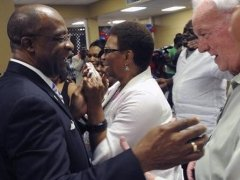 Johnny DuPree, mayor of Hattiesburg, Miss., (left), faces tough run in governor's race./AP Photo