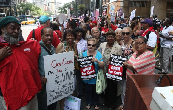 Members of the New York State Nurses Association and 1199SEIU United Healthcare Workers East joined with hundreds of health care ...