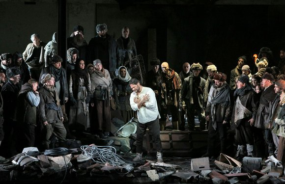 Only a few performances remain of one of the Metropolitan Opera's most visually stunning, musically satisfying and psychologically probing productions ...