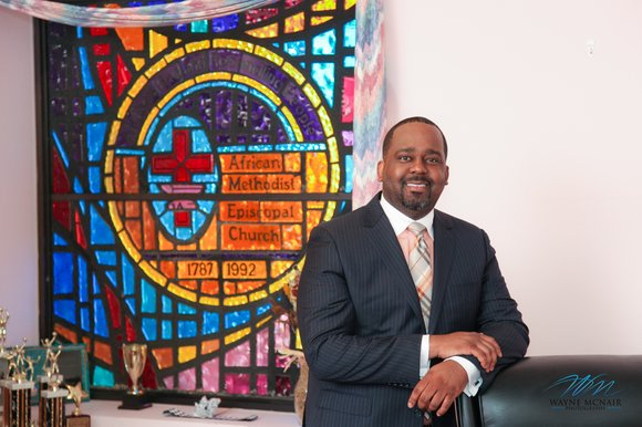 Though he is only 34 years old, Pastor Darius Curtis Thomas has learned life lessons that have made him mature ...