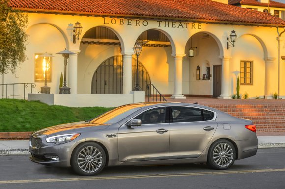 Eyebrows raised when Kia announced a little more than one year ago the development of the K900. After all, the ...