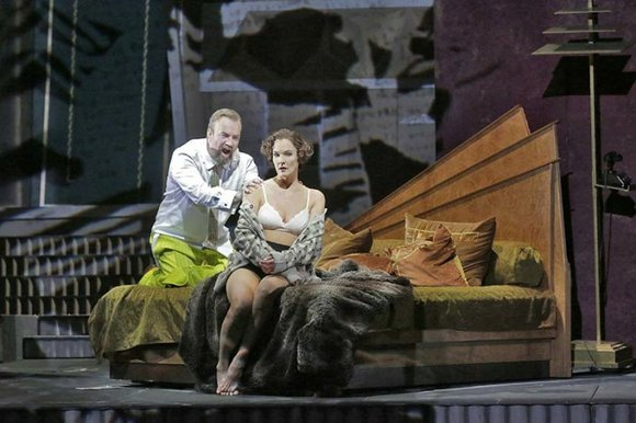 The Met Live in HD presents a special Holiday Encore of Mozart's The Magic Flute this Wednesday, Dec 16 in ...