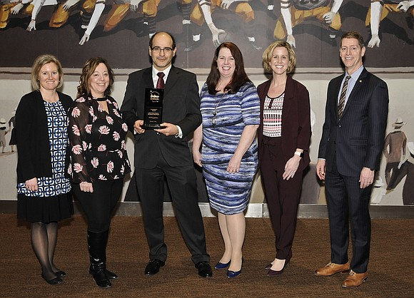 The Chicago Healthcare Executive's Forum recently shined the spotlight on the Silver Cross Hospital Emergency Department, presenting the hospital with ...