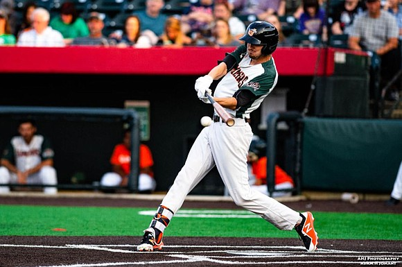 An offensive outburst from the Joliet Slammers propelled them above the Schaumburg Boomers on Sunday, locking up the three-game home ...