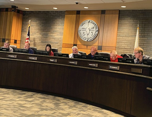 The Joliet Plan Commission gave its stamp of approval to the Joliet City Council recommending zoning regulations for marijuana businesses ...