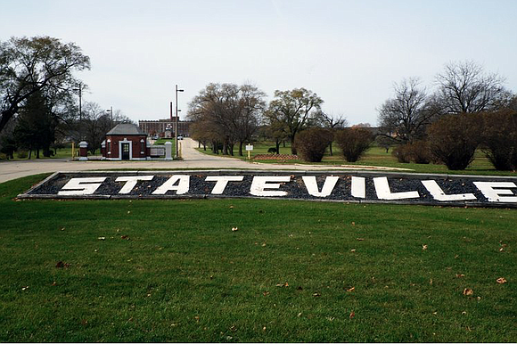 A man incarcerated at the Stateville Correctional Center in Crest Hill is among eight new deaths from the Coronavirus in ...