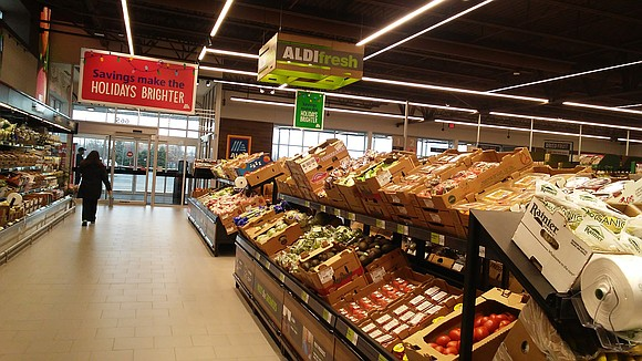 Residents in Shorewood have a new place to buy their groceries. Shorewood residents have a new place to buy their ...