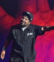 """Ice Cube is part of LLCOOL J's """"King of the Mic"""" tour."""