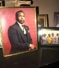 Picture of Roy Middleton, unarmed victim of shooting in Pensacola by police in his own driveway. Taken in his living room.