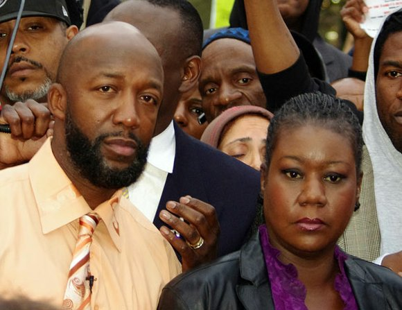 Over 146,000 people across the country have signed on to a fast- growing petition on Change.org launched by Trayvon Martin's ...
