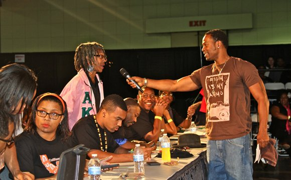 Step show host Darrin Henson gets the judges involved.