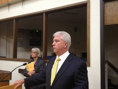 Gary Mueller gives a brief overview of his new role as ombudsman for the third airport.