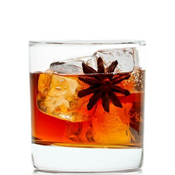 With Christmas right around the corner, Hennessy V.S would like to share some amazingly good cocktail recipes with you for ...