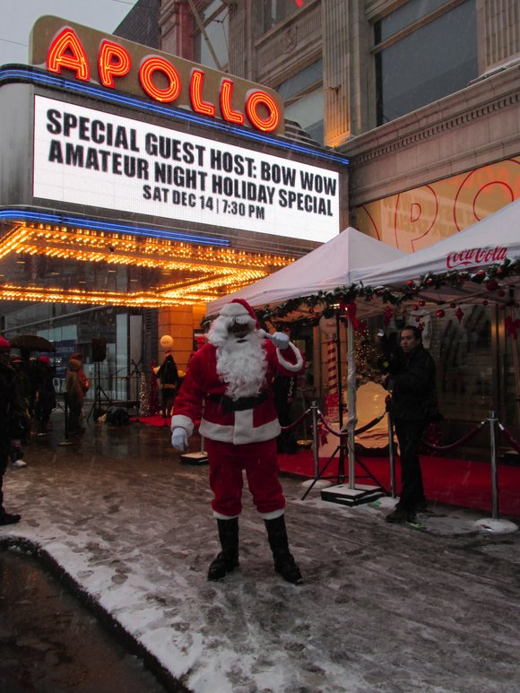 The Apollo Theater and Coca-Cola team up to spread some holiday cheer