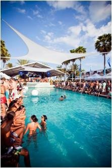 Hotel S Week Long Pool Party Series And Exclusive Stay Packages Give Edm Fans More To