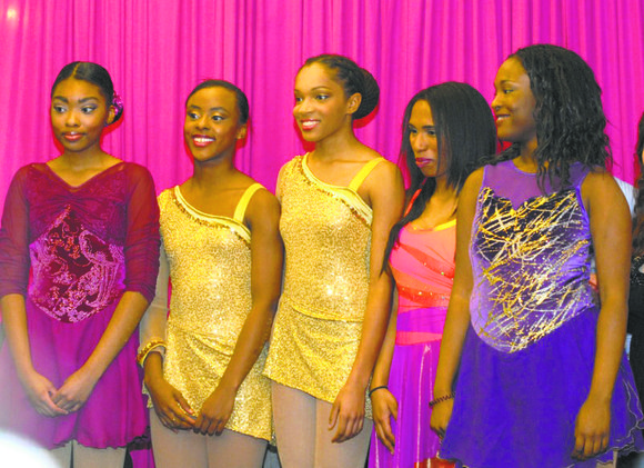 A nonstop downpour didn't dampen the spirits of five high school seniors during Monday night's Figure Skating in Harlem gala ...