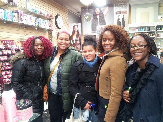 HeyFranHey fans shopping after the 'Hey Healthy Hair' meet-up