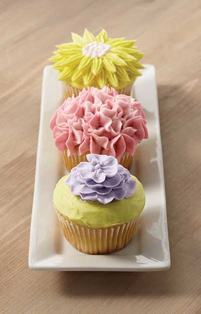 Let springtime blossoms bloom on your dessert plate. Cupcakes make a great and easy foundation for trying new things. With ...