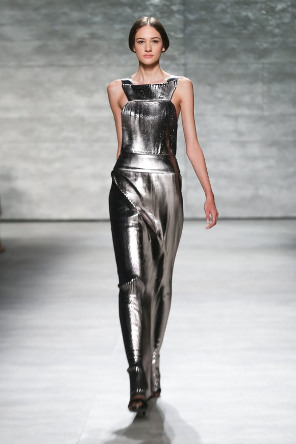 Angel Sanchez designs elegant looks on the line of the body. He began his career in the early 1990s in ...