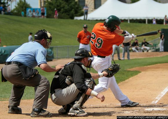 The Slammers' lead in the ninth inning was blown by two-run homer, ending the game 5-4.