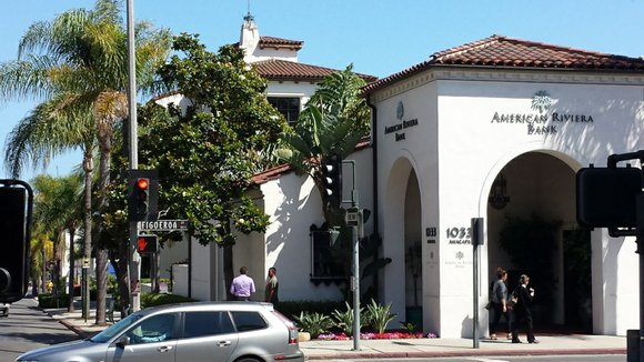 We started this summer California road trip series in the beautiful city of Santa Monica, driving in a Jucy Rental, ...