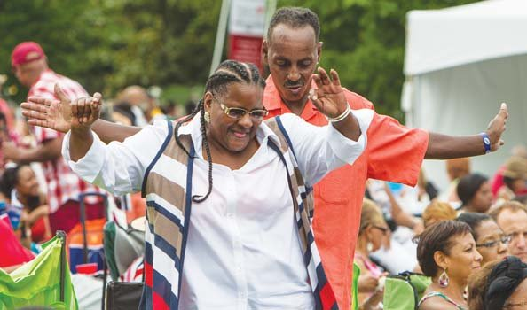 Ocenia Johnson and Jefferson Lewis groove to the music.