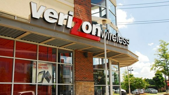 You can't ever read the fine print too carefully, and that is also the case with Verizon's new unlimited data ...