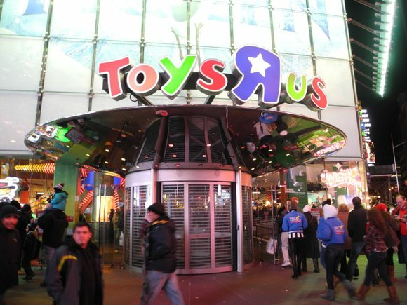 While some stores continue to move up opening times, making them earlier and earlier, Toys R Us is opening the ...