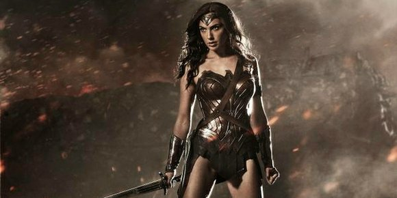 Latino Review's El Mayimbe has unleashed a report on Wonder Woman's various costume changes. And there will be numerous outfits. ...