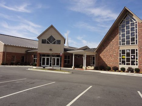 The building that housed the bankrupt Richmond Christian Center is going to remain a worship center.