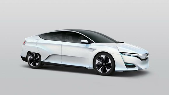 Green-car fans will get a look at the Honda FCV (fuel cell vehicle) concept at the Detroit auto show in ...