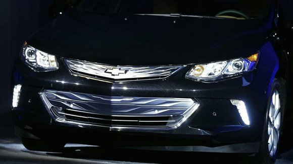 While announcing a host of new tech features at the International CES in Las Vegas, Chevrolet suprised the crowd with ...