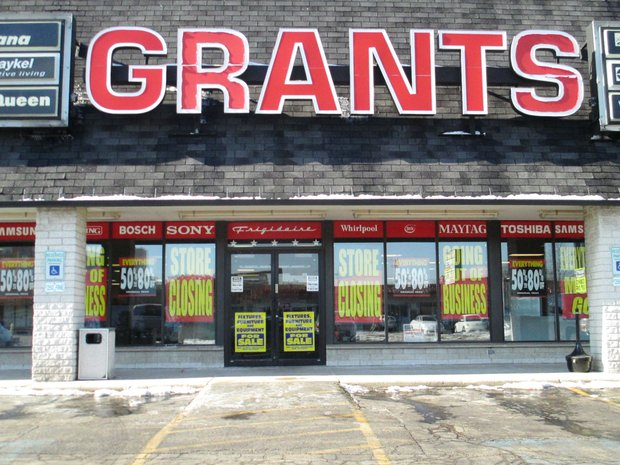 Grant's Appliances, a Joliet fixture for at least 20 years, closed suddenly in October and now is holding a liquidation sale to pay off creditors.