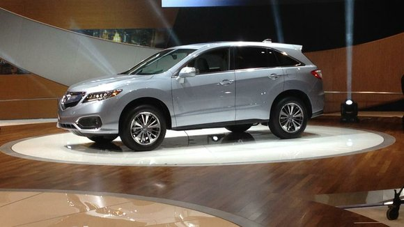 Acura introduced a facelifted 2016 RDX at the Chicago Auto Show, three years after the second generation of its smaller ...